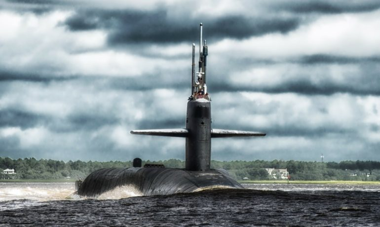 submarine-170463_1920